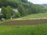 Ponúkame na predaj pozemok určený na stavbu RD v Lazoch po Makytou